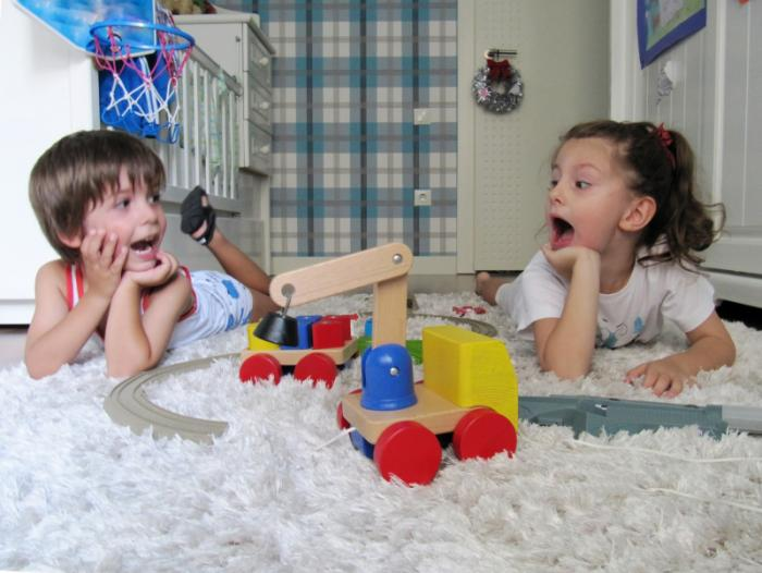 Top Boys Toys For Autism : Less severe autism symptoms in girls may lead to delayed