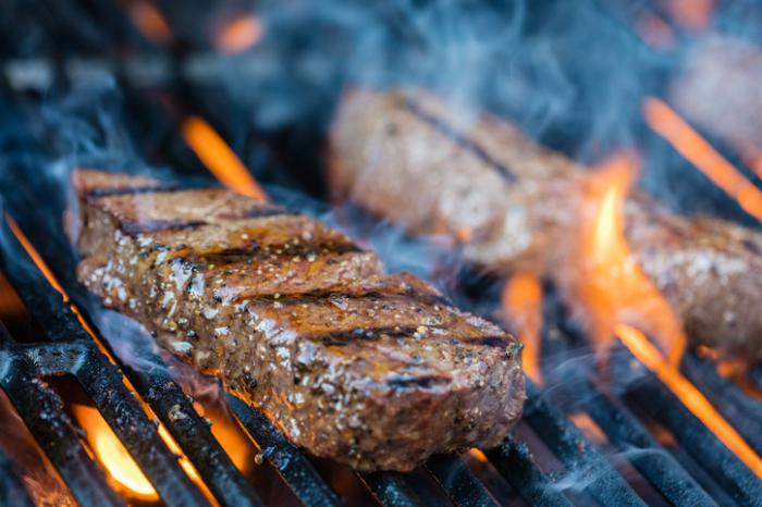 Grilled, barbecued meats may raise death risk for breast cancer survivors