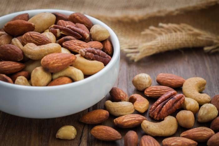 Medical News Today: Tree nut allergy: Avoiding all tree nuts 'may not be necessary'