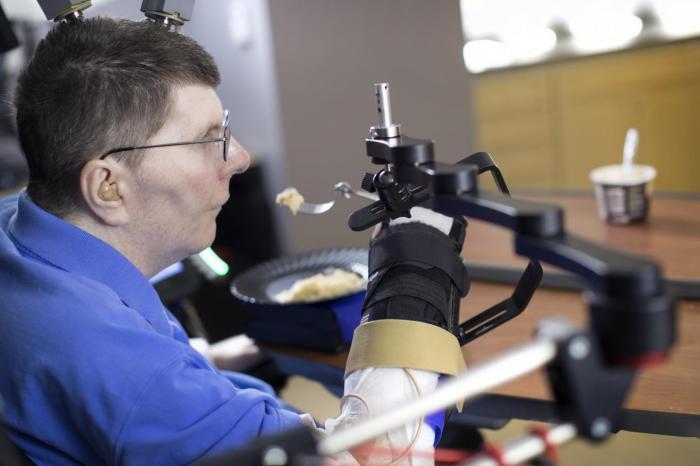 Medical News Today: 'Groundbreaking' technology enables quadriplegic man to move his limbs