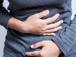 What causes heavy menstrual bleeding?