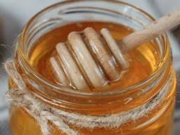 蜂蜜対砂糖:蜂蜜は本当にあなたのために良いですか?