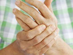 Infected hangnail: Treatment, complications, and when to see a doctor