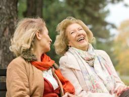 Yakın arkadaşlara sahip olmak, zihinsel gerilemeden kaçabilir