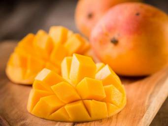 How mangoes affect blood sugar and obesity