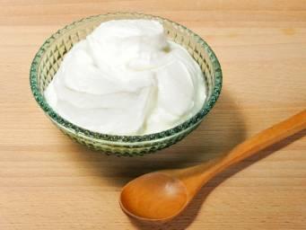 Can yogurt treat a yeast infection?