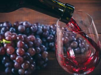 Как соединение красного вина может предотвратить рак