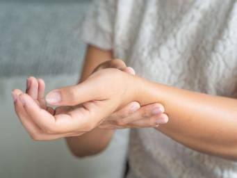 Artrite reumatoide: In che modo influisce su diverse parti del corpo?