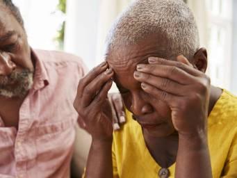 Alzheimer: Bu psikiyatrik belirtiler erken bir işaret olabilir