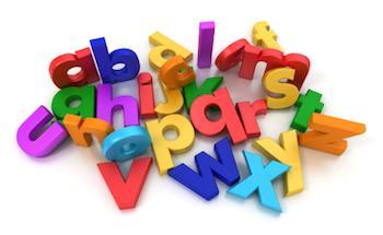 Las letras en diferentes colores en un montón