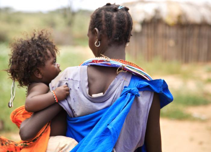 Kenyan mother and daughter