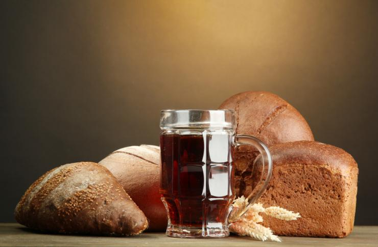 bread beer and cell biology It is used in theproduction of alcohol, bread, vinegar, and other food or industrialproducts: fermentation (food) - the conversion of carbohydratesinto alcohols or acids under anaerobic conditions .